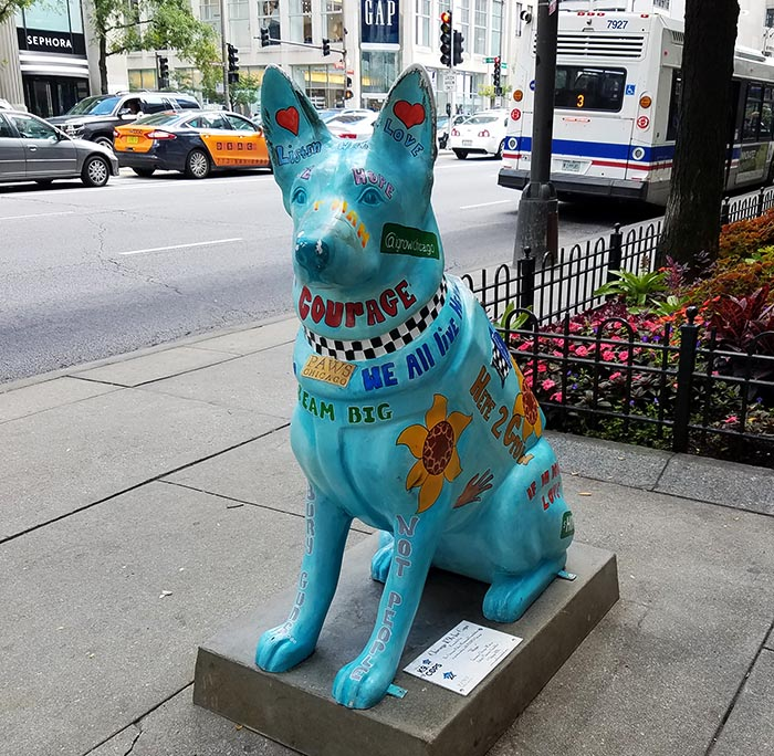 2017-09-30 Dog Statues in Chicago - dog 2