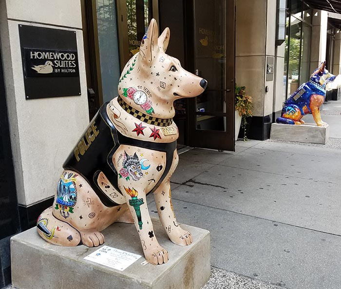 2017-09-30 Dog Statues in Chicago - dog 4