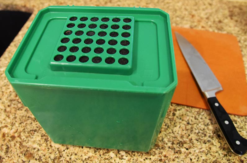 2017-10-07 Easy Composting - get a kitchen compost container
