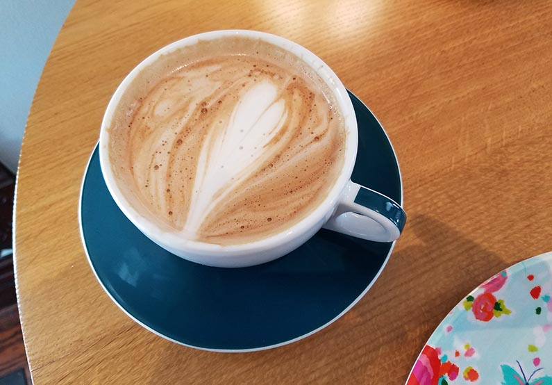2017-10-18 Morning Coffee at Farmhouse Coffee & Treasures - nutella latte coffee